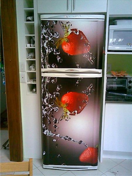 Armário Embutido Na Parede ~ Adesivos para geladeira que modernizam o visual da cozinha