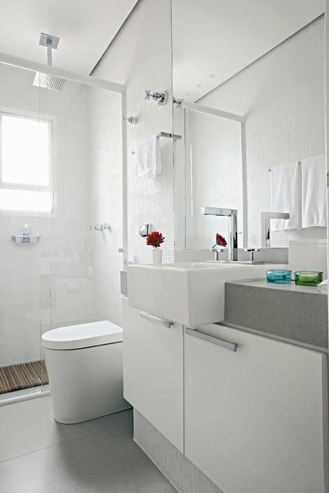Iluminação para banheiro pequeno como deve ser?  Moda e ConfortoModa e Conforto # Banheiro Pequeno Iluminacao