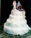 bolo de casamento com noivinhos 2