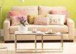 sofa com almofadas 2