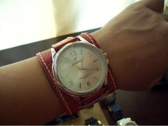 bb8610ca672 Luxuosas pulseiras de couro para relógios femininos - Moda e ...
