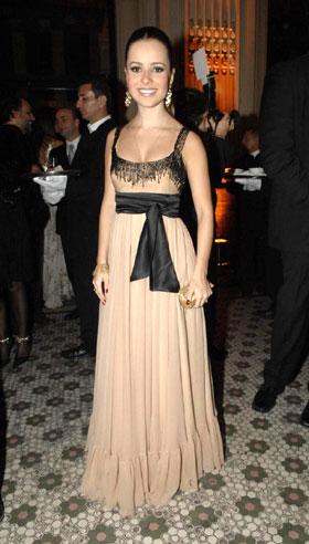 Lindos vestidos longos para baixinhas