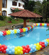 piscina decorada com balões 1