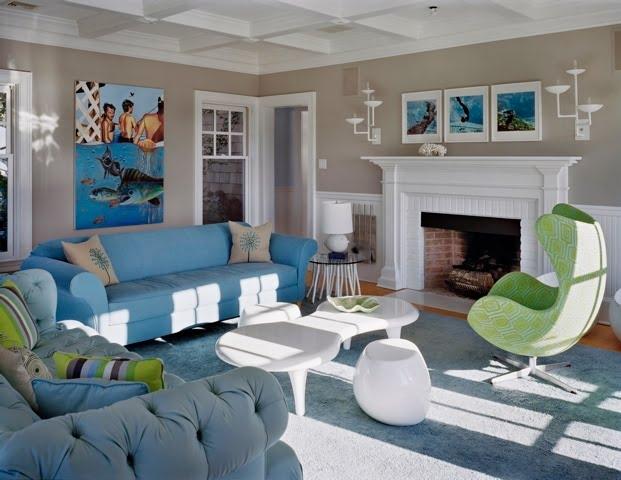 decoracao sofa branco:Sala decorada com sofá azul – charme e estilo no ambiente – Moda e