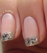 unhas decoradas com glitter prata 6