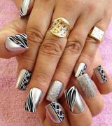 unhas decoradas com glitter prata 8