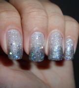unhas decoradas com glitter prata 9