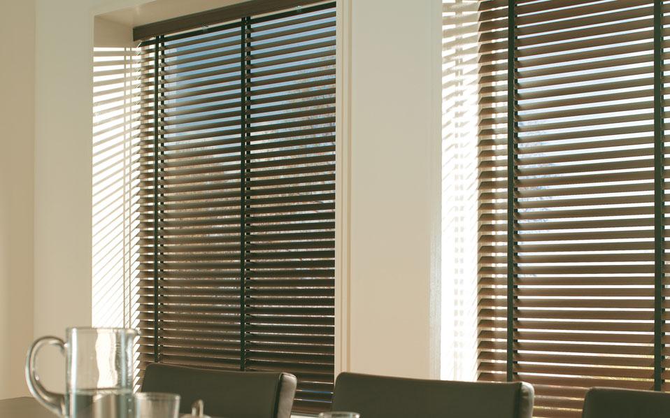 Cortina persiana modelos em ambientes diferentes moda e - Cortinas tipo persiana ...