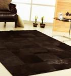 tapetes de couro escuro