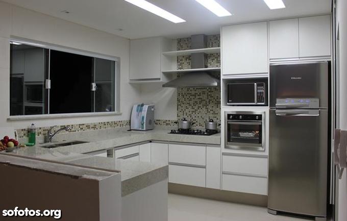 Cozinha planejada charmosa