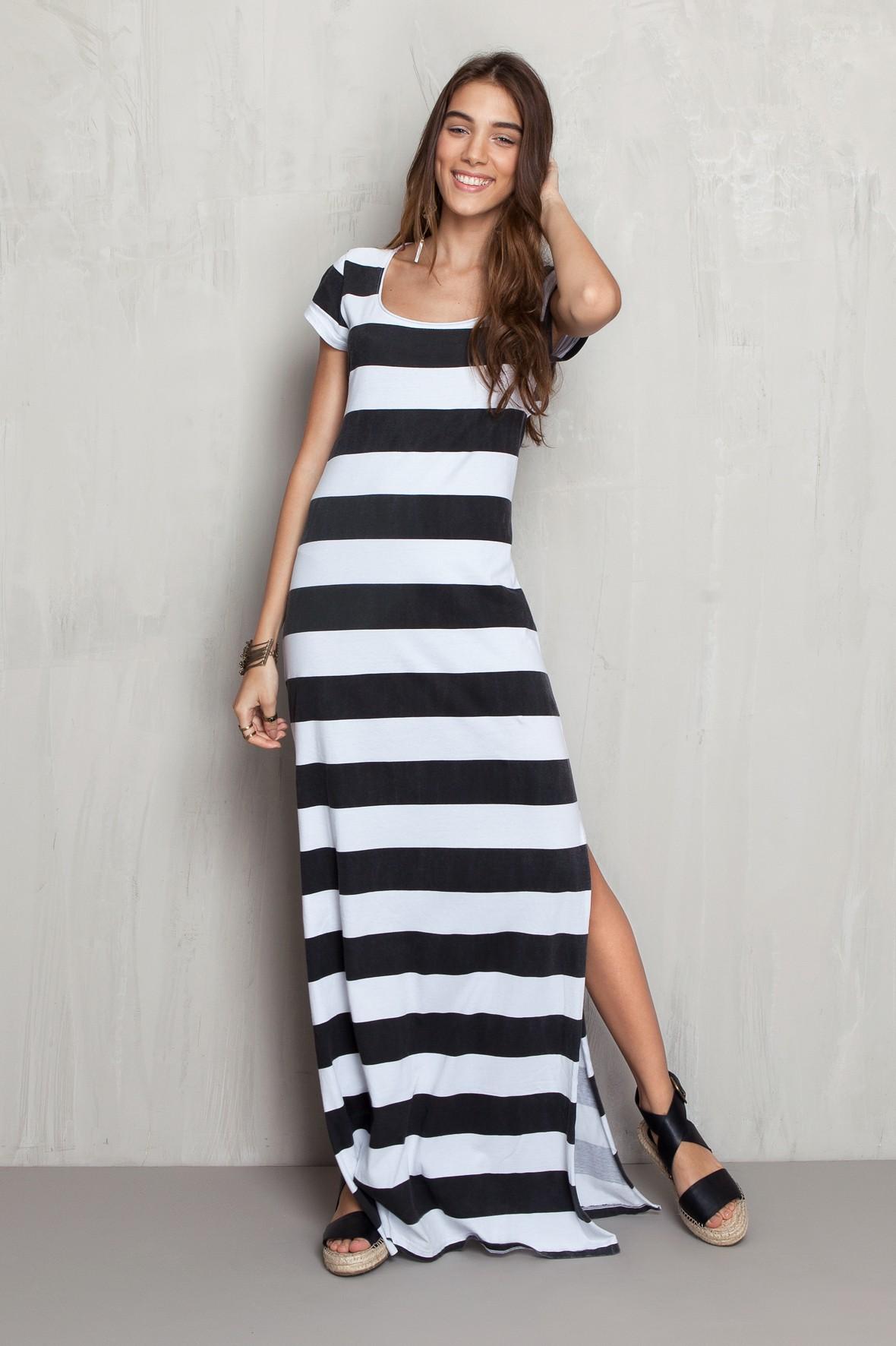 vestido listrado longo largo